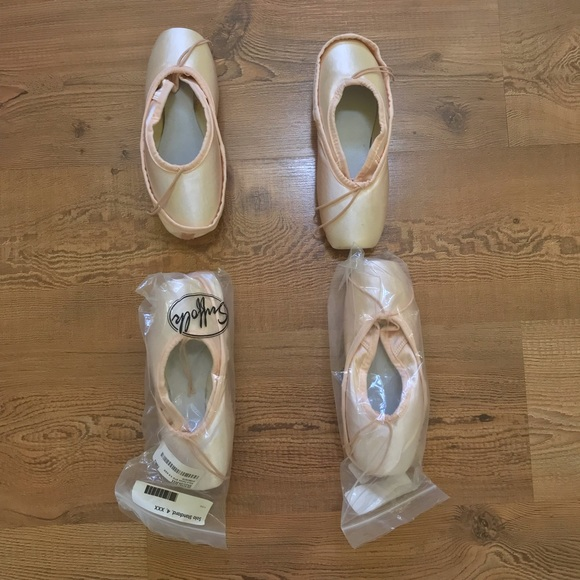 Suffolk Solo Pointe Shoes Multiple Sizes Ballet Pointe Shoes